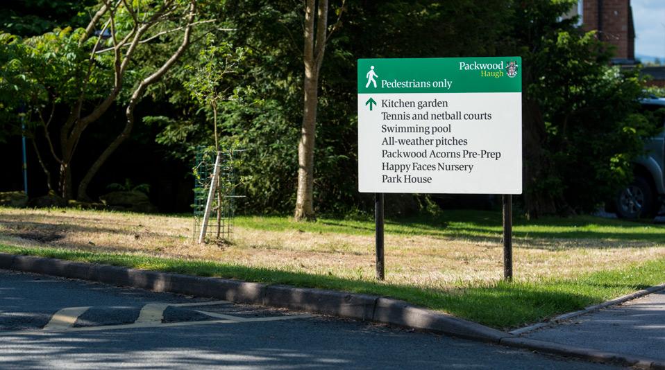 Packwood-pedestrian-sign